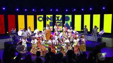 Evento realizado pela Rede Bahia agita multidão na Concha Acústica do TCA - Apresentações musicais e culturais marcaram a transição do sinal analógico para o digital, na Bahia.
