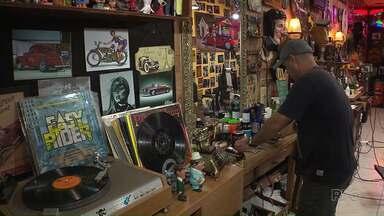Paraná TV traz uma reportagem especial no Dia Mundial do Rock - Você vai conhecer histórias de pessoas que estão ligadas a esse ritmo que para muitos se tornou um estilo de vida.