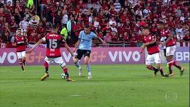 Grêmio bate Flamengo no Rio e assume vice-liderança do Brasileirão - Grêmio bate Flamengo no Rio e assume vice-liderança do Brasileirão