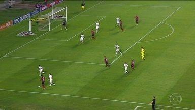 São Paulo fica no empate com o Atlético-GO em casa e segue na zona de rebaixamento - A partida marcou a estreia de Dorival Júnior no comando do Tricolor.