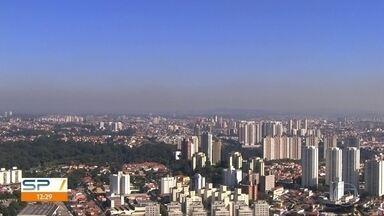 Veja a previsão do tempo para o fim de semana em São Paulo - Em algumas cidades da Grande São Paulo, a umidade pode ficar até abaixo dos 30%. Isso é menos do que a metade recomendada pela OMS. Na capital, o tempo continua firme, com temperatura máxima de 24ºC.
