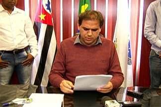 Prefeito de Poá anuncia redução de secretarias e exonerações - Mudança na Lei do ISS faz cidade perder R$ 140 milhões anuais em repasses.