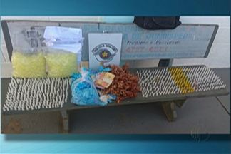 Homem é preso com 1,4 mil pinos de cocaína em Jundiapeba - Suspeito foi preso.