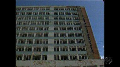 Estrutura do antigo Hotel Palace é motivo de preocupação - Estrutura do antigo Hotel Palace é motivo de preocupação.