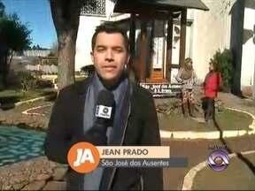 São José dos Ausentes, RS, registra a menor temperatura do estado - Município teve registro de neve na tarde de ontem (17).