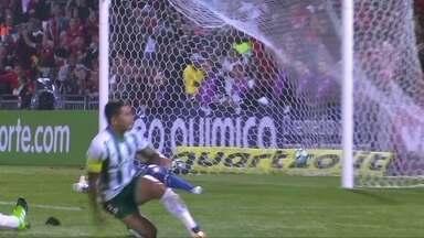 Os gols de Flamengo 2 x 2 Palmeiras pela 15ª rodada do Campeonato Brasileiro - Pará e Guerrero marcaram para os donos da casa e Willian e Roger Guedes fizeram para o time paulista.