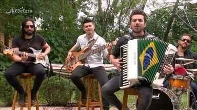 Luan Forró Estilizado abre o 'É de casa' deste sábado - O grupo se apresenta ao som de 'Menininha, meu amor'