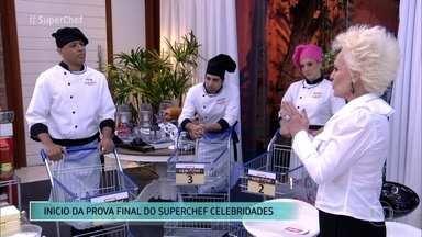 Desafio ao vivo define vencedor do Super Chef Celebridades - Gabriel Louchard, Helga Nemeczyk e MC Koringa têm que preparar um cardápio completo com entrada, prato principal e sobremesa em 90 minutos. Confira o início da prova!