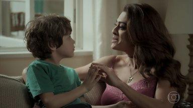 Dedé pede uma festa de aniversário para a mãe - Bibi comenta com Aurora sobre a surpresa de Rubinho