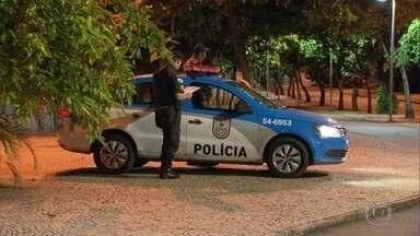 Dispara o número de policiais que pediram pra sair da corporação - Eles reclamam da falta de estrutura, salários atrasados e falta de reconhecimento pela sociedade.