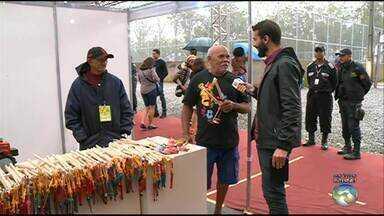 Festival de inverno de Garanhuns conta com armazém de artesanato - Muitos artesanatos estão disponíveis para venda.