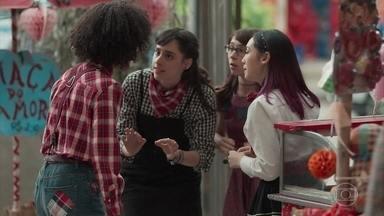 Lica, Tina e Benê contam para Ellen sobre Deco - Keyla deixa Deco com K2 e pede ajuda às amigas para tirar o rapaz da festa e impedir que ele saiba a verdade sobre Tonico