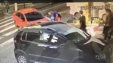 Vereador da Grande SP é preso após atropelar uma mulher e seus dois filhos - José Nélson de arros vai responder em liberdade por lesão corporal culposa e embriaguez ao volante.