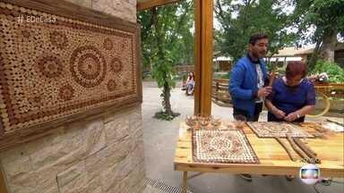 Artesã mineira de 73 anos ensina a fazer mosaico com cabo de vassoura e cipó - Dona Nice pediu para participar do programa e mostrar sua arte e teve seu pedido atendido