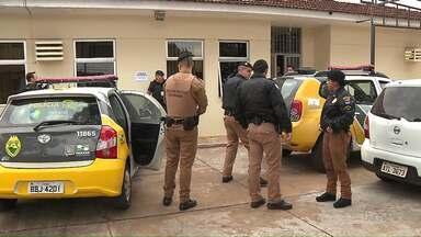 Operação policial apreende adolescentes suspeitos de roubo, furto e tráfico de drogas - A operação policial começou cedinho em Londrina e aprendeu dezesseis adolescentes que foram encaminhados para o Centro de Socioeducação. Muitos objetos furtados foram recuperados.