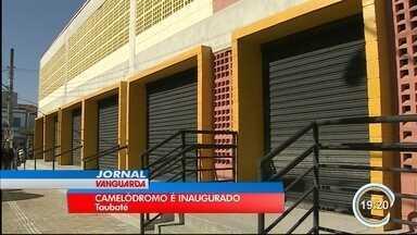 Taubaté inaugura novo camelódromo no centro da cidade - Prefeitura diz que vai fechar cerco contra ambulantes nas ruas.