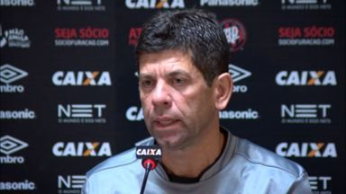 Fabiano Soares fala sobre escalação do Atlético-PR e projeta duelo com Avaí - Fabiano Soares fala sobre escalação do Atlético-PR e projeta duelo com Avaí