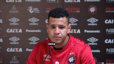 """Sidcley comenta saída de Otávio do Atlético-PR: """"Vai fazer muita falta"""" - Sidcley comenta saída de Otávio do Atlético-PR: """"Vai fazer muita falta"""""""