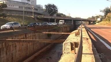Marginal Botafogo é liberada após obras de reparo, em Goiânia - Foi feita a substituição de parte da estrutura de concreto que revestia as paredes do canal e também recuperação do fundo do canal.