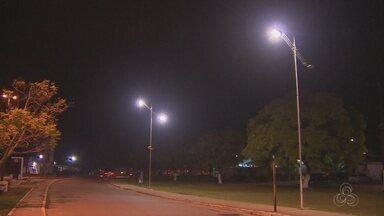 Prefeitura e CEA iniciam trabalho de recuperação da iluminação pública de Santana - Na fase inicial, esse serviço só vai ser feito, apenas nas principais ruas da cidade.