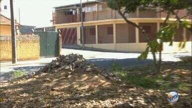 Pista de caminhada inacabada incomoda moradores em São Carlos, SP - Prefeitura informou que o processo está na Secretaria de Serviços Públicos para que a obra seja retomada.