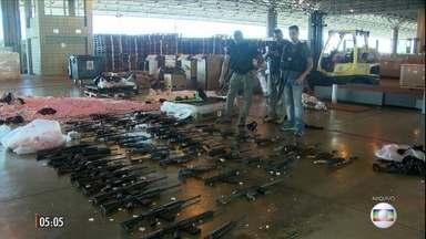MPF denuncia 16 pessoas por tráfico internacional de armas e organização criminosa - Em três anos, mais de mil fuzis entraram de forma ilegal no Brasil e foram vendidos a bandidos do RJ.