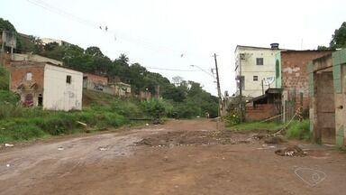 Quatro pessoas são baleadas em Nova Carapina I, na Serra - Crime aconteceu na noite desta quarta-feira (2).