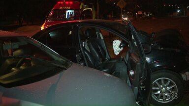 Motorista é autuado por dirigir embriagado em Londrina - O motorista foi preso após uma acidente na avenida Humaitá. Ele não quis fazer o teste do bafômetro, mas segundo a PM apresentava sinais de embriaguez.