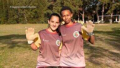 Em véspera do Gauchão, equipe feminina do interior tem goleira de 13 anos e outra de 35 - Assista ao 3º episódio da série da RBSTV: '#JogaQueNemMulher' .