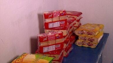 Prefeituras de Pernambuco se preocupam com suspensão de merenda em escolas - Entrega dos alimentos foi suspensa devido à operação da Polícia Civil que investiga supostos esquemas de desvio de dinheiro e fraude em licitações envolvendo empresas fornecedoras.