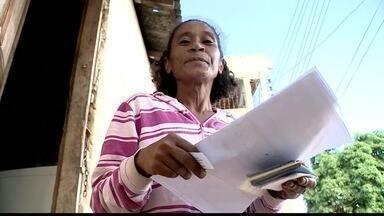Moradores de Colatina alegam que ainda não receberam indenização da Samarco - Alguns moradores, que assinaram contrato para receber o dinheiro, ainda não tiveram o benefício.