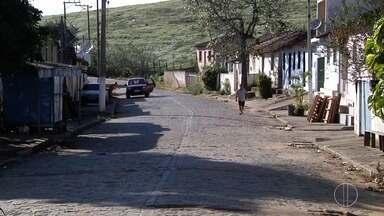 Serviço de transporte é suspenso em São Luiz de Mutuca, em Campos, no RJ - Assista a seguir.