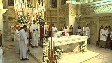 Celebrações em BH homenageiam Nossa Senhora da Boa Viagem - A santa é padroeira da capital mineira.