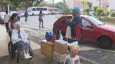 Operação contra comércio ambulante no Hospital de Clínicas da Unicamp tem um preso - Fiscalização começou ainda na madrugada desta quinta-feira. Homem preso tinha arma e mercadorias.