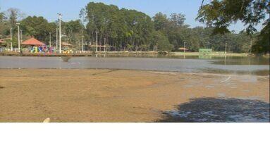 Lagoa utilizada para abastecimento está assoreada em Serra Negra - A Sabesp capta água no local para o abastecimento da cidade.