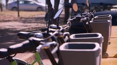 Novas estações de bicicletas compartilhadas da UnB começam a funcionar - Meta do GDF é aumentar em 50% as ciclovias e ciclofaixas do DF.