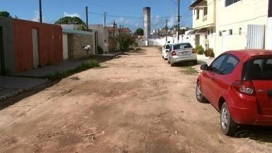 Moradores do Conjunto Vale da Serraria cobram pavimentação - Comunidade do bairro da Serraria também reclama de uma praça que está desativada.