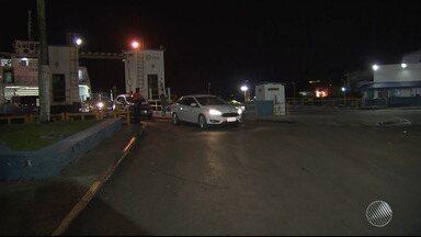 Ferry quebra e passageiros precisam ser transferidos para outra embarcação; viagem atrasa - Problema aconteceu com o ferry Rio Paraguaçu, que deixava o Terminal de Bom Despacho, na Ilha de Itaparica.
