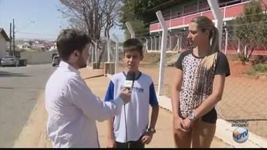 Estudantes reclamam das mudanças no transporte público em Pouso Alegre, MG - Estudantes reclamam das mudanças no transporte público em Pouso Alegre, MG