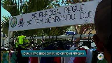 Grupo cria ponto de arrecadação e doação de roupas, em Petrolina - Arara de roupas está na Praça Dom Malan, Zona Central da cidade.