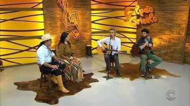 'Galpão Crioulo' recebe Vitor Ramil acompanhado do filho Ian Ramil - Assista ao vídeo.