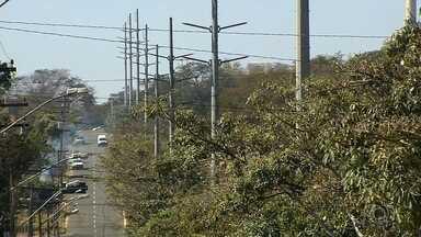 Celg quer retomar instalação de rede de alta tensão em Goiânia - MP afirma que projeto não é seguro e obras estão paradas por determinação judicial.