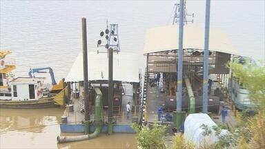 Dragagem no Rio Madeira deve começar com um mês de atraso, em RO - Navegação está comprometida por causa da seca.