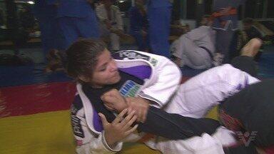 Atleta de São Vicente vence Mundial de Jiu-jítsu - Lethicia Ribeiro dos Santos tem 13 anos e diversas medalhas.