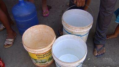 Moradores reclamam da falta de água em bairro de Aparecida de Goiânia - Situação fica ainda pior devido ao tempo muito seco.