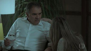 Eurico se desespera com o sumiço de Silvana - Simone liga para Caio. Silvana segue presa no cassino. Nonato insinua a Dita que sabe que Silvana saiu para jogar