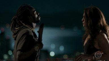 Bibi decide falar com Sabiá sobre Silvana - Batoré explica para esposa de Rubinho que a arquiteta corre perigo