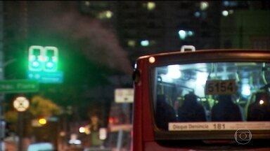 Poluição por diesel vai matar 178 mil em São Paulo em 30 anos, diz estudo - Segundo o Greenpeace, parte dessas mortes poderia ser evitada se São Paulo cumprisse uma lei municipal e usasse energia limpa na frota de ônibus.