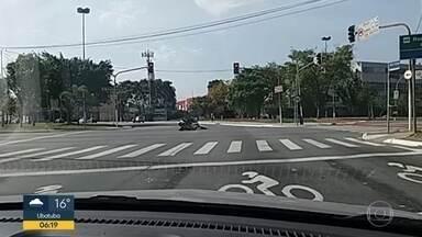 Motociclista baleado na cabeça em tentativa de assalto morre após três dias internado - Sidnei Soares, de Jundiaí (SP), estava em estado grave no Hospital das Clínicas desde domingo. Ele e a mulher foram vítimas de tentativa de assalto na capital paulista. Um casal registrou o crime.