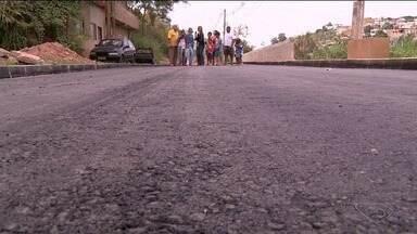 Calendário do ESTV: obra de asfaltamento no bairro Nossa Senhora Aparecida não é concluída - Bairro fica em Cachoeiro de Itapemirim.
